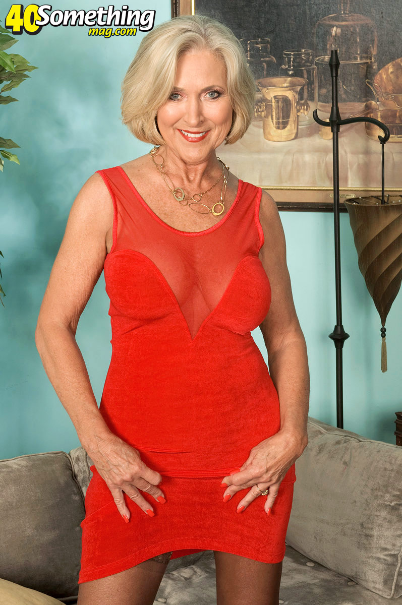 Super-sexy Southern Belle   Mature Database